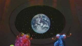 getlinkyoutube.com-Sesame Street: Martians Find the Earth