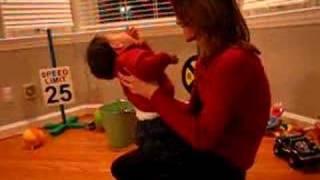 getlinkyoutube.com-Mommy Tickles Sam