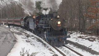 getlinkyoutube.com-R&N 425 CNJ 113 Doubleheader - Minersville Christmas Trains