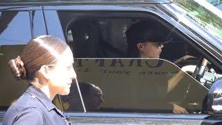 getlinkyoutube.com-X17 EXCLUSIVE - Police Ask Victoria Beckham To Move Her Car!