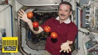 getlinkyoutube.com-Why astronaut Chris Hadfield is a legend - Truthloader