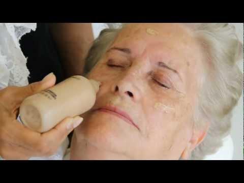 Maquiagem para mulheres acima de 70 anos  ̶  por Vera Carreira