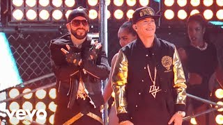 getlinkyoutube.com-Yandel - Moviendo Caderas (En Vivo) ft. Daddy Yankee