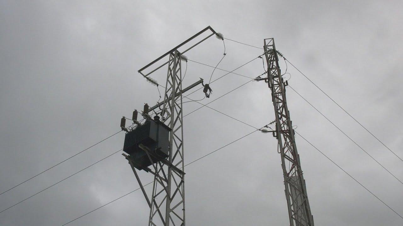 Recogida de firmas para reclamar mejoras en el servicio eléctrico