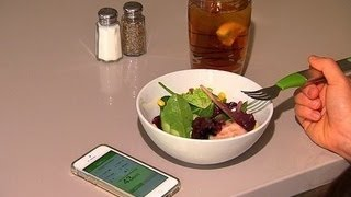 getlinkyoutube.com-CNET News - Vibrating fork, smart scale could help you eat healthier
