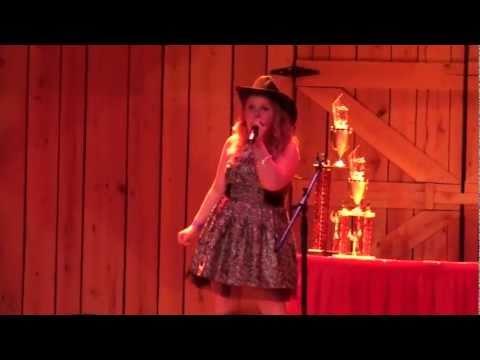 Pokerface de Abby Lynn Letra y Video