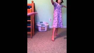 getlinkyoutube.com-Girls cartwheels