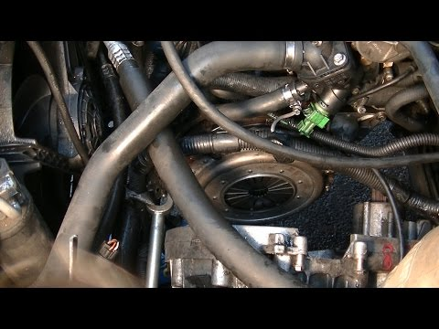 Clutch replacement part 1 : clutch removal