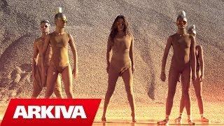 getlinkyoutube.com-Ingrit Gjoni ft. Gjeto Luca - Mbretereshe (Official Video HD)