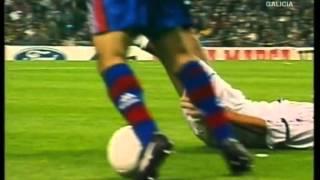 getlinkyoutube.com-Barcelona vs Real Madrid - El Clásico, 1997 at Camp Nou
