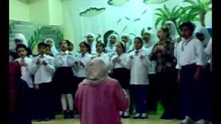 getlinkyoutube.com-البيئة أغنية لفريق كورال الموسيقي بمدارس زهرة السلام
