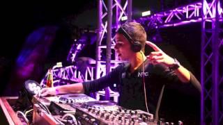 getlinkyoutube.com-Dimitri Vegas, Like Mike, Sander van Doorn & Martin Garrix - Project T (NRG Trap Remix)