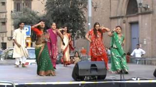 getlinkyoutube.com-Chotur Dola bangla song with dance