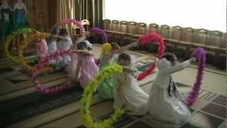 getlinkyoutube.com-детский танец с дугами