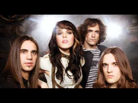 Halestorm Rose in December (lyrics)