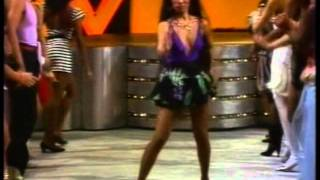 getlinkyoutube.com-Soul Train Line Let It Whip Dazz Band.mpg
