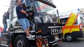 getlinkyoutube.com-4°MEDITERRANEAN TRUCK EBOLI 2013 Sfilata fratelli Acconcia! Scania Absolute/ Black amber!