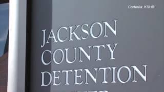 Un hombre asegura que fue violado por otro preso en la Cárcel del Condado de Jackson