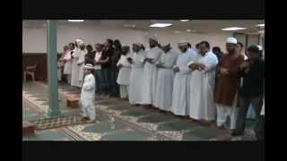 getlinkyoutube.com-Маленький мальчик в намазе читает Коран..