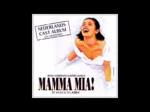 Een Offensief de Mamma Mia Letra y Video