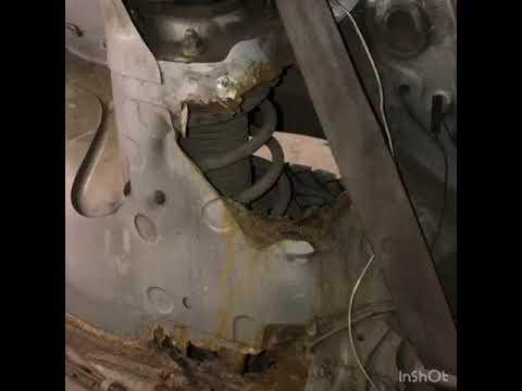 Mazda 626. Заделали дыры в салоне и заменили бак