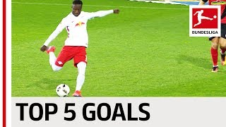 Naby Keita quick-fire interview | 'I'm really scared of small dogs' width=