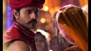 getlinkyoutube.com-Rangrasiya: Paro's wedding ceremony