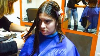 getlinkyoutube.com-A gentle teenager changing her long hair for an inverted bob
