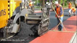 getlinkyoutube.com-Rolling out a red carpet for cyclists (Netherlands)