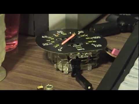 Расположение привода спидометра у Вольво 240