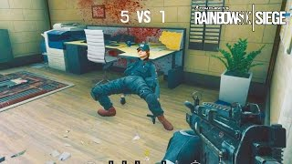 getlinkyoutube.com-Rainbow Six Siege - Random Moments #18 (Stupid Teammates, Playing Football?)
