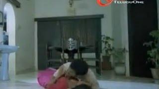 getlinkyoutube.com-Rajendra Prasad & Yamuna Romance In House Hall