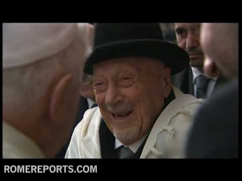Best images  Pope's visit to Rome synagogue