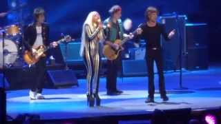 "getlinkyoutube.com-Rolling Stones - with Lady Gaga ""Gimme Shelter"" @ Newark, N.J. 15/12/12"
