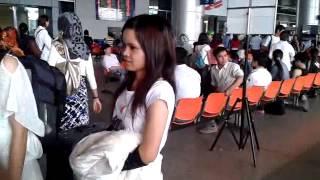 getlinkyoutube.com-jrai chu se Trở lại Sài Gòn - P2 - Sân bay Tân Sơn Nhứt