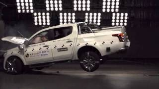 getlinkyoutube.com-ANCAP CRASH TEST: Mitsubishi Triton (April 2015-onwards) frontal offset test at 64km/h