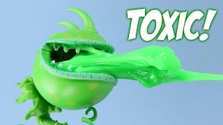 getlinkyoutube.com-Plants vs. Zombies Garden Warfare Toxic Chomper Accessory Pack #1 Diamond Select Toys