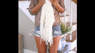 getlinkyoutube.com-How to Arm Knit a Fringe Scarf in 30 Minutes with Simply Maggie