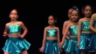 getlinkyoutube.com-Naz AYDIN - Özel Emine Örnek İlkokulu - 2015 Modern Dans Gösterisi (7 yaş)