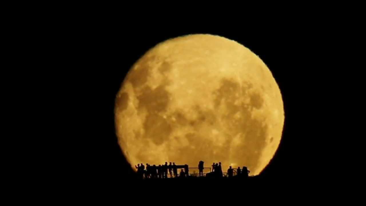 Full Moon Silhouettes -Johan Lyckaro