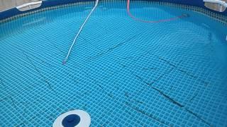 getlinkyoutube.com-Como aspirar sem drenar e limpar a água da piscina (FÁCIL) inflável ou de montar da Intex