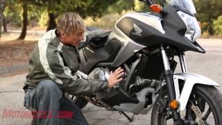 getlinkyoutube.com-2012 Honda NC700X vs. Kawasaki Versys