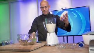 Eddie Garza prepara deliciosa receta de crema mexicana de nuez de la india