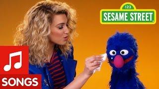 getlinkyoutube.com-Sesame Street: Try a Little Kindness (with Tori Kelly)