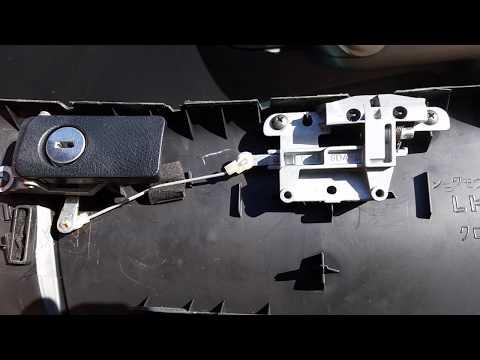 Honda Accord cl 7- cl 9 Открываем бардачок без ключа, избавляемся от провисания бардачка.