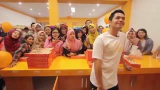 getlinkyoutube.com-Dude Harlino Shooting Video Klip Lagu Yogyakarta