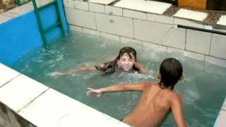 getlinkyoutube.com-Маленький бассейн