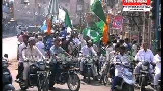 getlinkyoutube.com-Milad un Nabi 2014 procession (Juloos) from old city of Hyderabad near Charminar