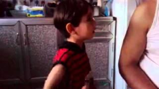 getlinkyoutube.com-طفل  عراقي يريد يتزوج رنا ويتوسل بابووووه