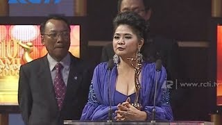 getlinkyoutube.com-Vina Panduwinata - Lifetime Achievement Award - AMI 2006